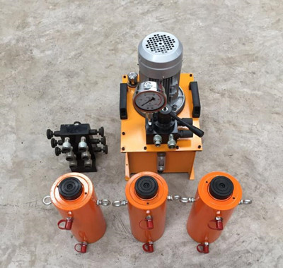 One pump with three double acting hydraulic jacks