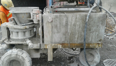 wet concrete spraying machine for build tunnels