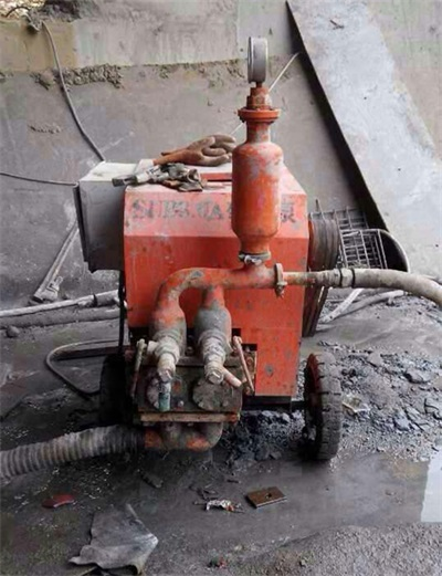 Cement mortar spraying