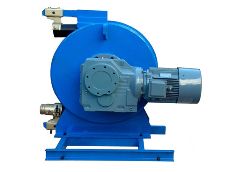 squeeze pump for pumping foam concrete