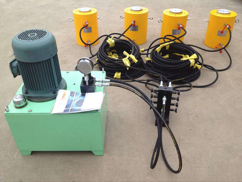 hydraulic jack with one electric pump together working
