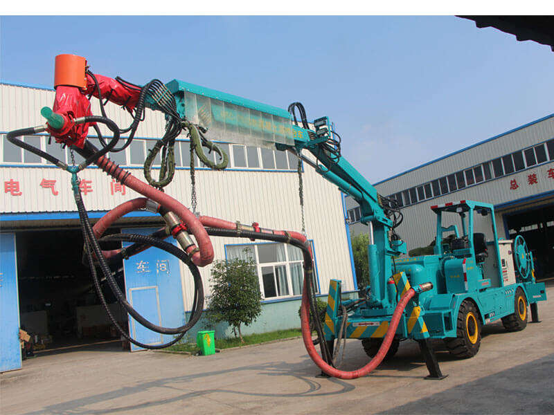 robotic shotcrete machine with arm